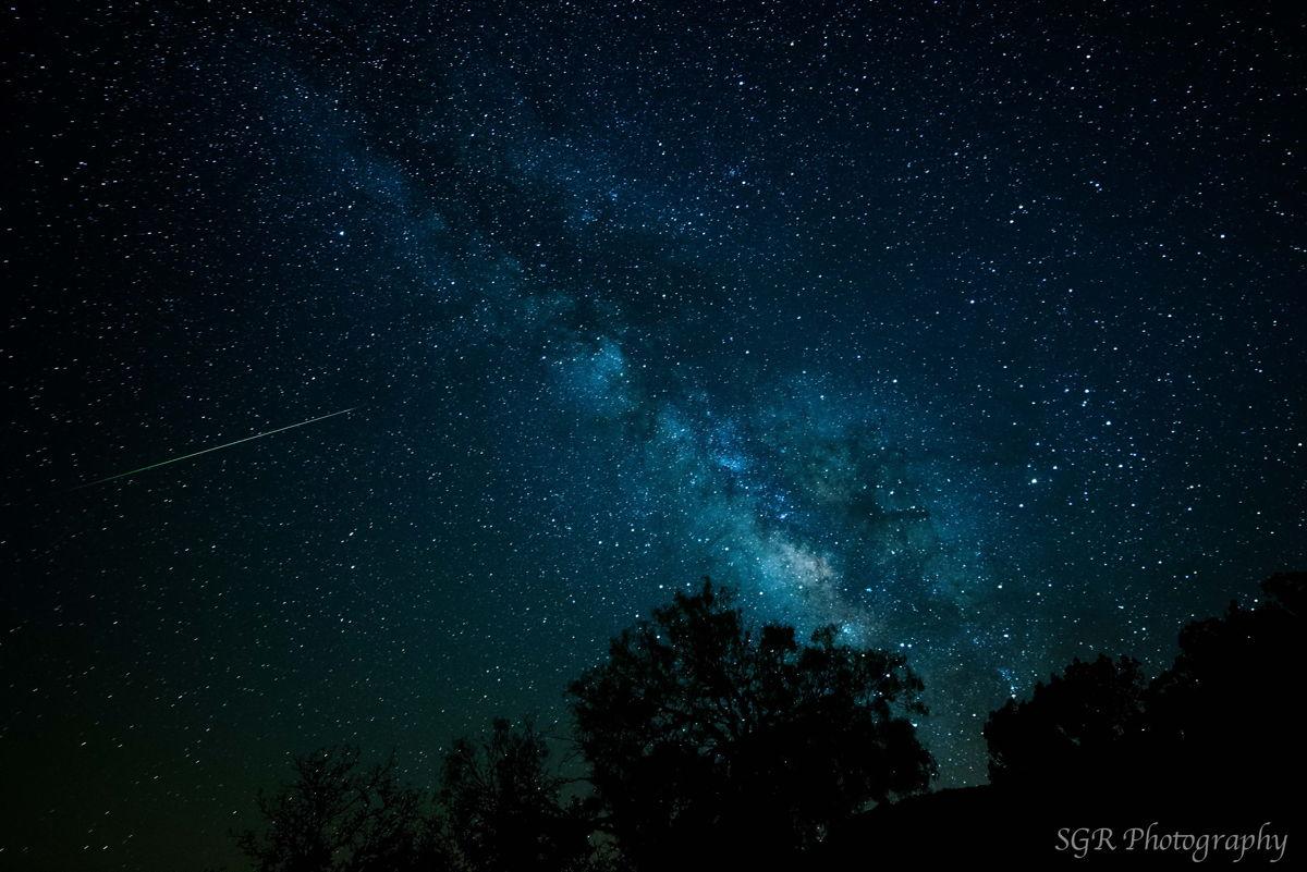 L'astrophotographe Sergio Garcia Rill a envoyé une photo d'un météore Eta Aquarid et du centre de notre galaxie, la Voie lactée, prise à Garner State Park, Texas, le 5 mai 2013.
