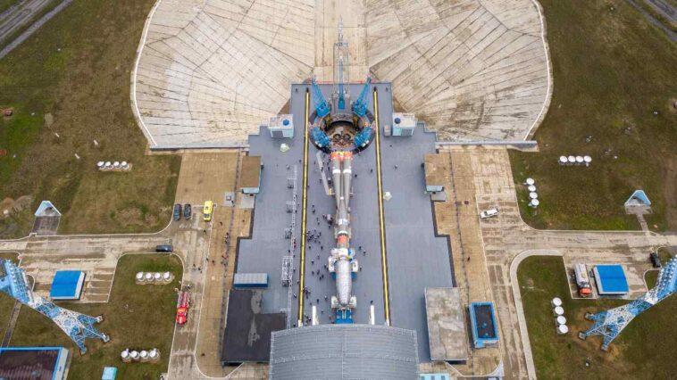 Le Russe Soyouz Et Arianespace Lancent Les 36 Satellites De