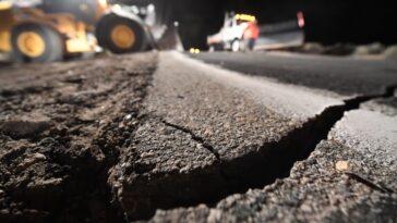 Le Système D'alerte Précoce Contre Les Tremblements De Terre Utilise