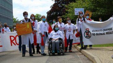 `` Menace Pour La Vie Elle Même '': Doctors4xr Marche Vers