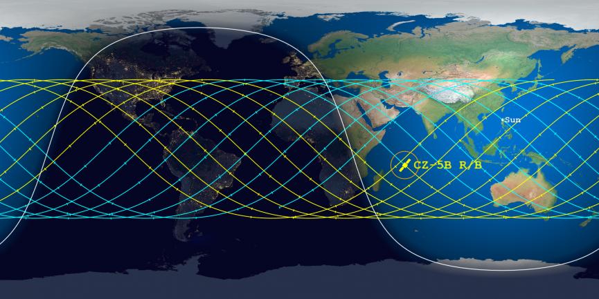 Ce tracé de prédiction de rentrée par l'Aerospace Corporation montre le point de projection estimé du propulseur de fusée Long March 5B de 21 tonnes métriques de Chine le 8 mai 2021. À midi le 7 mai, il était estimé qu'il tomberait dans l'océan Indien vers 23 h 53. EDT.