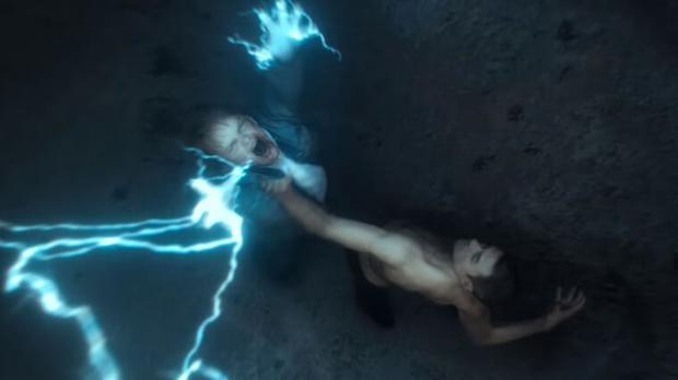 Dans la saison 2 de «Ragnarok», Magne cherche de l'aide pour continuer son combat contre des ennemis colossaux tout en ayant affaire à un frère ingérable. (Photo: Netflix)