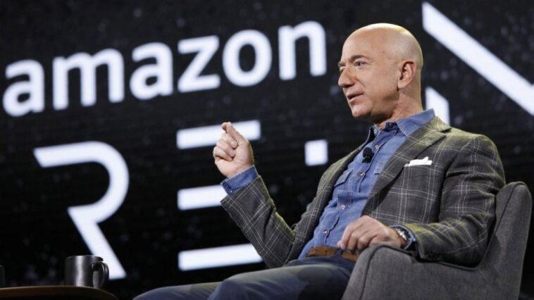 Le Pdg D'amazon Jeff Bezos Et Son Frère Se Rendront