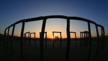 Des Peuples Anciens Vivaient à «stonehenge» Allemand, Site De Sacrifices