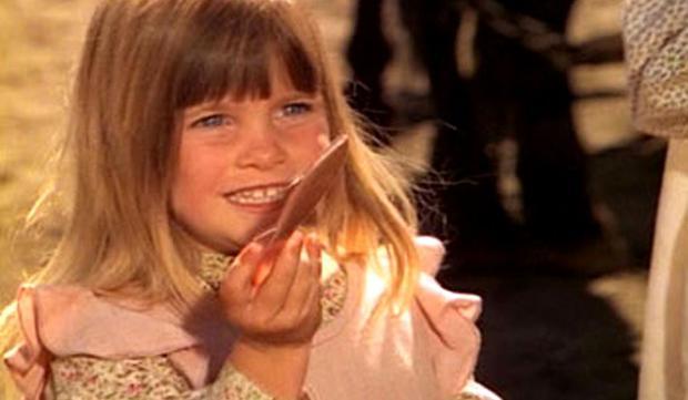 Le rôle de la petite Carrie Ingalls a été joué par les jumeaux Lindsay et Sidney Greenbush.  (Photo: NBC)
