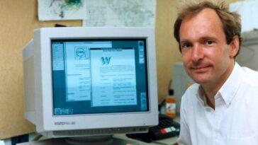 """Tim Berners-Lee vendra aux enchères le code original du World Wide Web en tant que NFT avec son """"autographe numérique"""""""