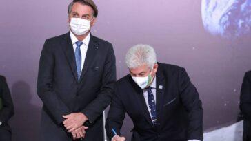 Le Brésil Entre Dans L'histoire En Signant Les Accords D'artémis
