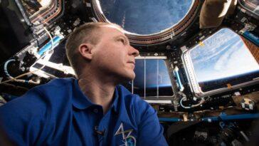 Obtenez «les Pieds Sur Terre» Avec L'ancien Astronaute De La
