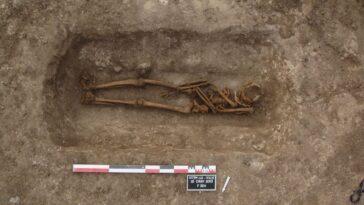 Des Archéologues Enquêtent Sur Le Mystère Des Tombes Rouvertes Il