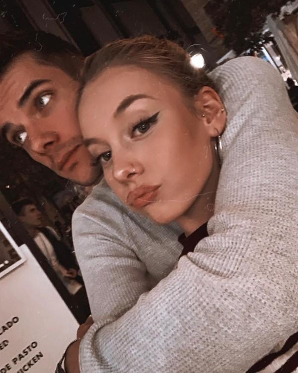 Ester Exposito et lvaro Rico.  Photo: (@ester_exposito)