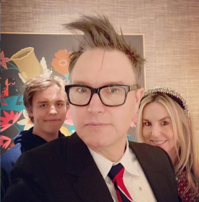Mark Hoppus avec sa femme et son fils le soir du Nouvel An en 2020 (Crédit: Instagram/markhoppus)