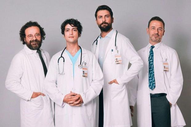 """Ce sont les acteurs principaux de """"Doctor Miracle"""" (Photo : Fox Turquie)"""