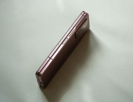 Samsung Galaxy Z Fold 2 Encoche