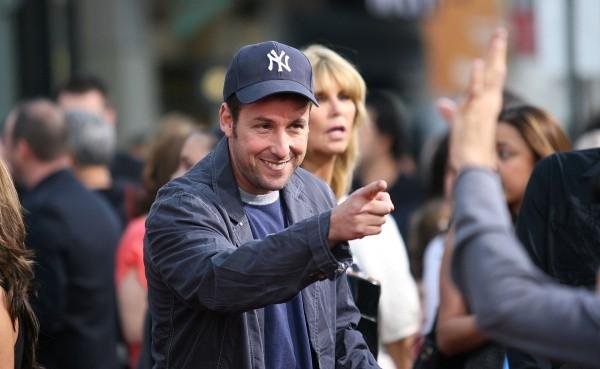 Adam Sandler veut travailler avec Millie Bobby Brown.  Photo: (Getty)