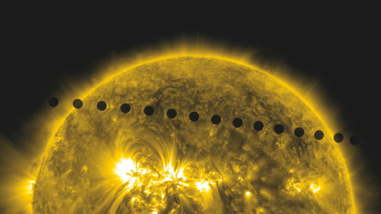 Vénus traverse le soleil