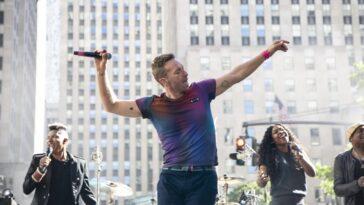 Coldplay lance le début officieux de l'été sur la place TODAY avec un concert torride