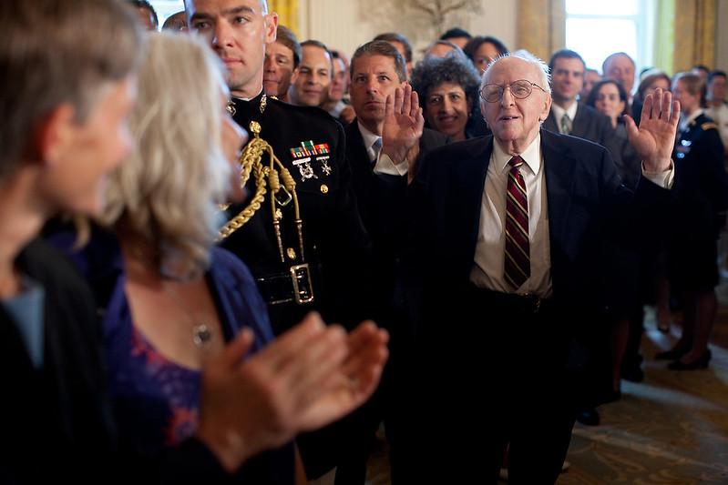 Frank Kameny vu lors d'une réception organisée par le président Barack Obama en 2009.