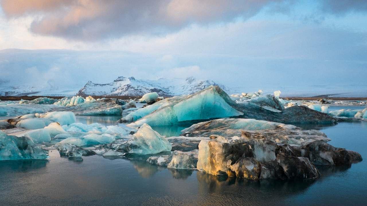 Entre 2000 et 2004, les glaciers islandais ont perdu 227 milliards de tonnes de glace par an.  Crédit d'image: Flickr / On.My.BigfOot