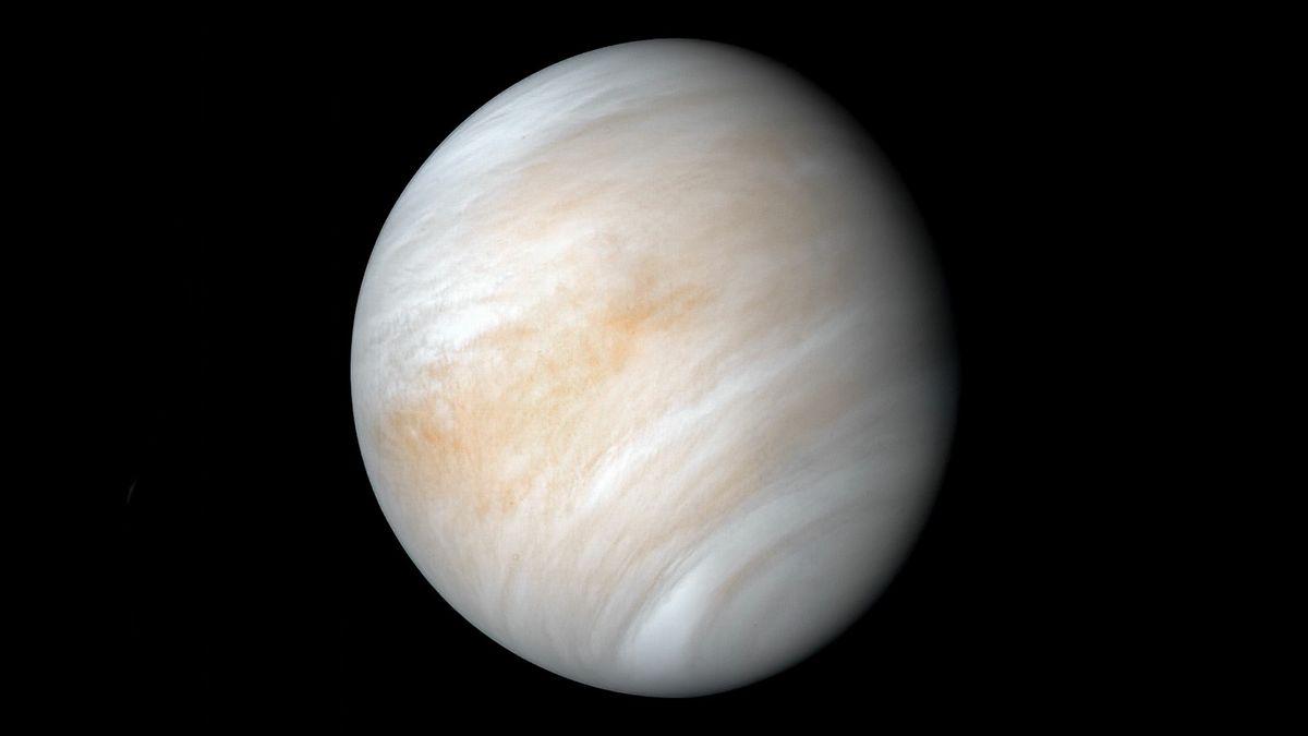 Vénus est enveloppée d'une atmosphère épaisse qu'il est difficile pour les scientifiques de voir à travers.