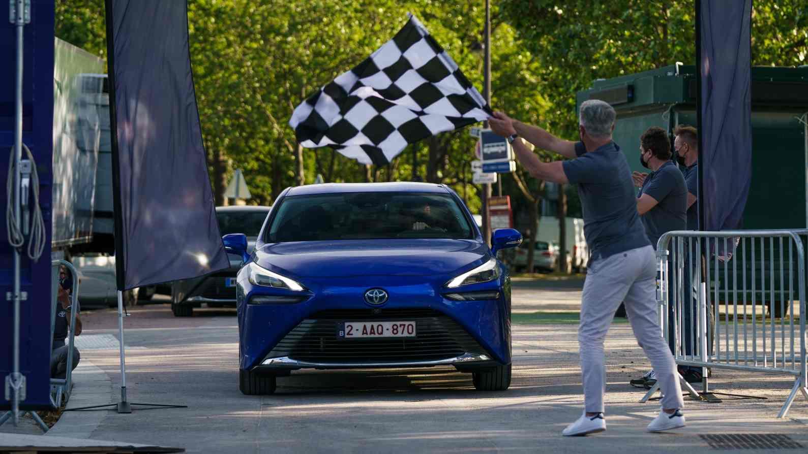 La Toyota Mirai établit Un Record Du Monde Et Parcourt