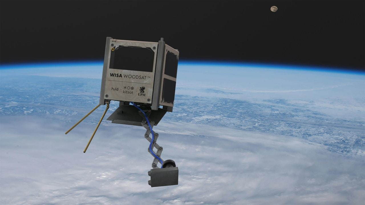 Le premier satellite en bois au monde est en route, sous la forme du finlandais WISA Woodsat.  Crédit image : ESA/Arctic Astronautics