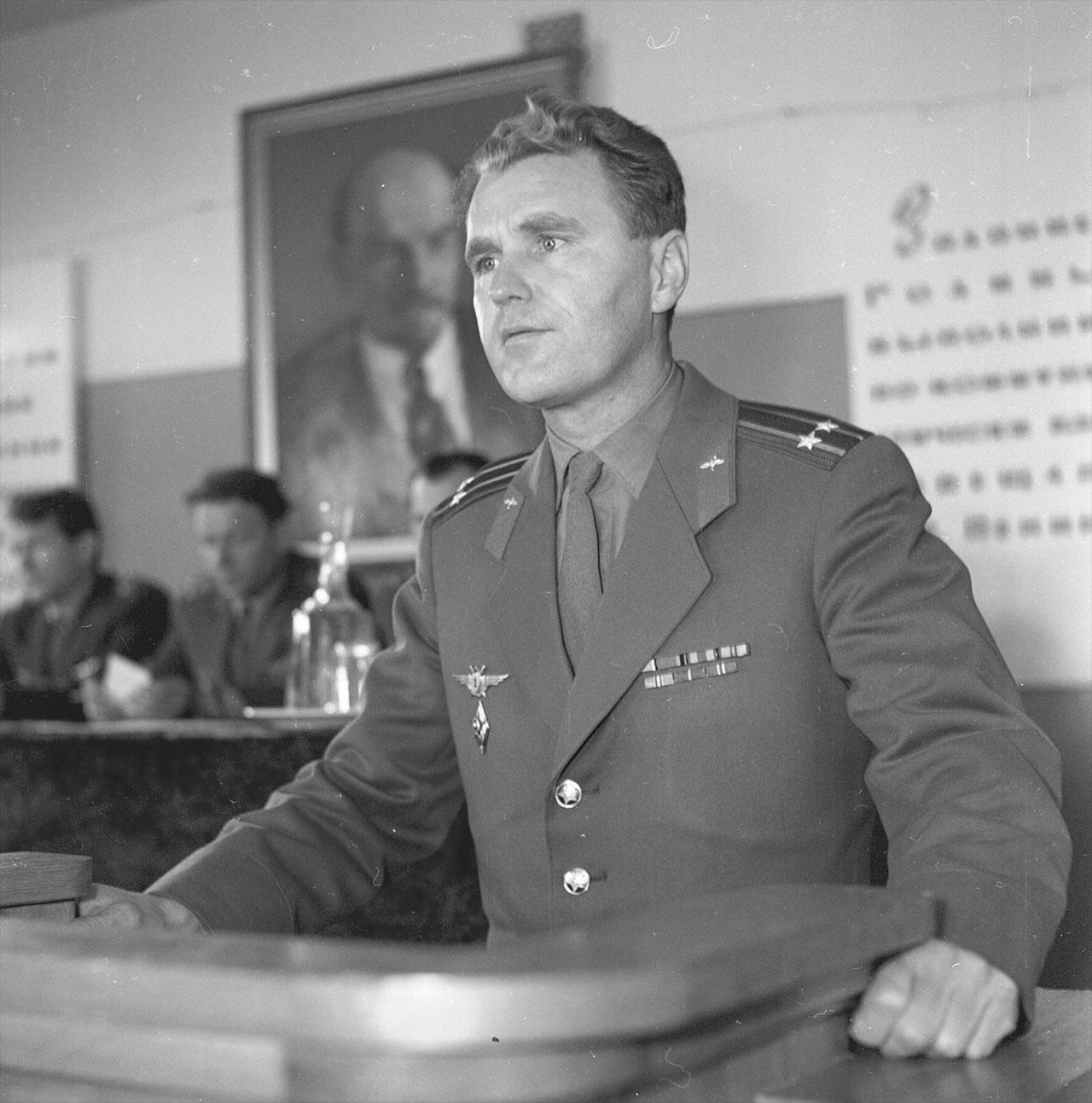 Le cosmonaute de l'ère soviétique Vladimir Chatalov.