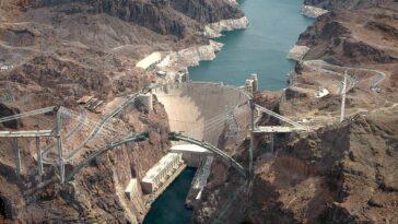 Le Réservoir Du Barrage Hoover Atteint Des Niveaux D'eau Record