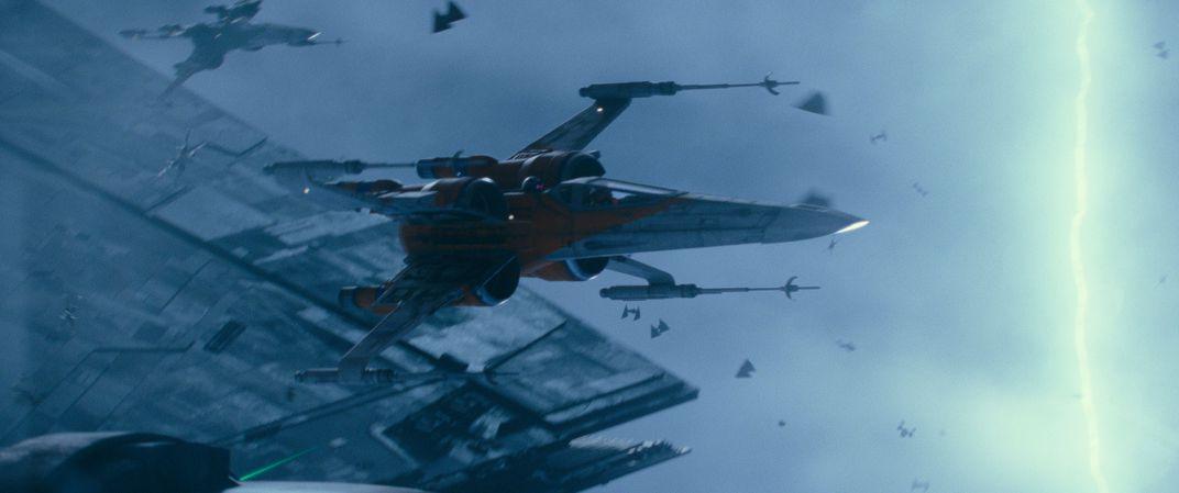 """Le X-wing de Luke Skywalker en action dans le """"Guerres des étoiles"""" cinéma."""
