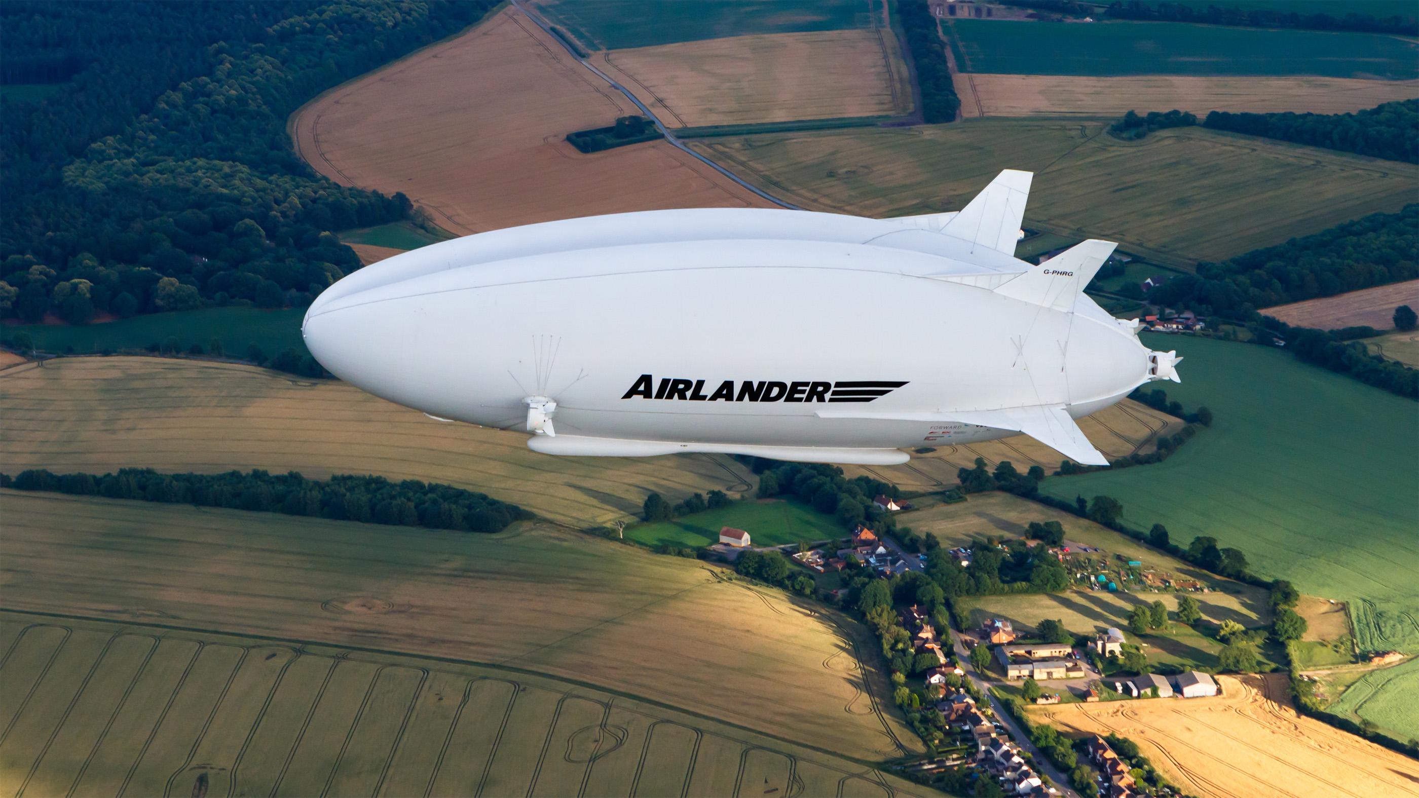 L'Airlander 10 (un prototype présenté ici) serait un futur mode de déplacement à faibles émissions.