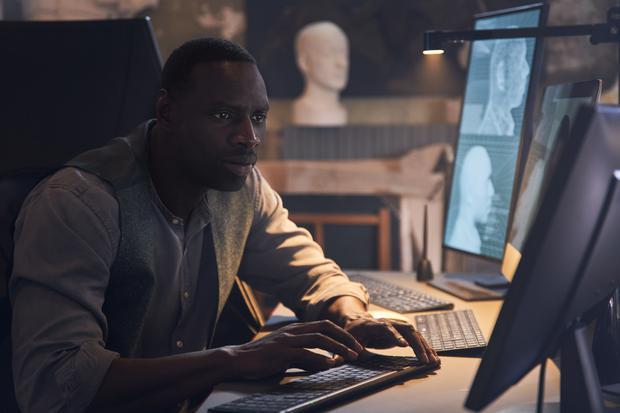 Assane a montré une grande capacité à utiliser la technologie à son avantage (Photo: Netflix)
