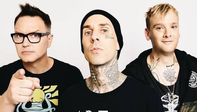 Les membres de Blink-182 Mark Hoppus (à gauche), Travis Barker (au milieu) et Matt Skiba (à droite) (Crédit: Instagram/blink-182)