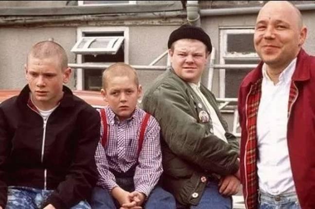 Stephen Graham (à droite) et Thomas Turgoose (deuxième à gauche) dans This is England.  Crédit: Libération optimale