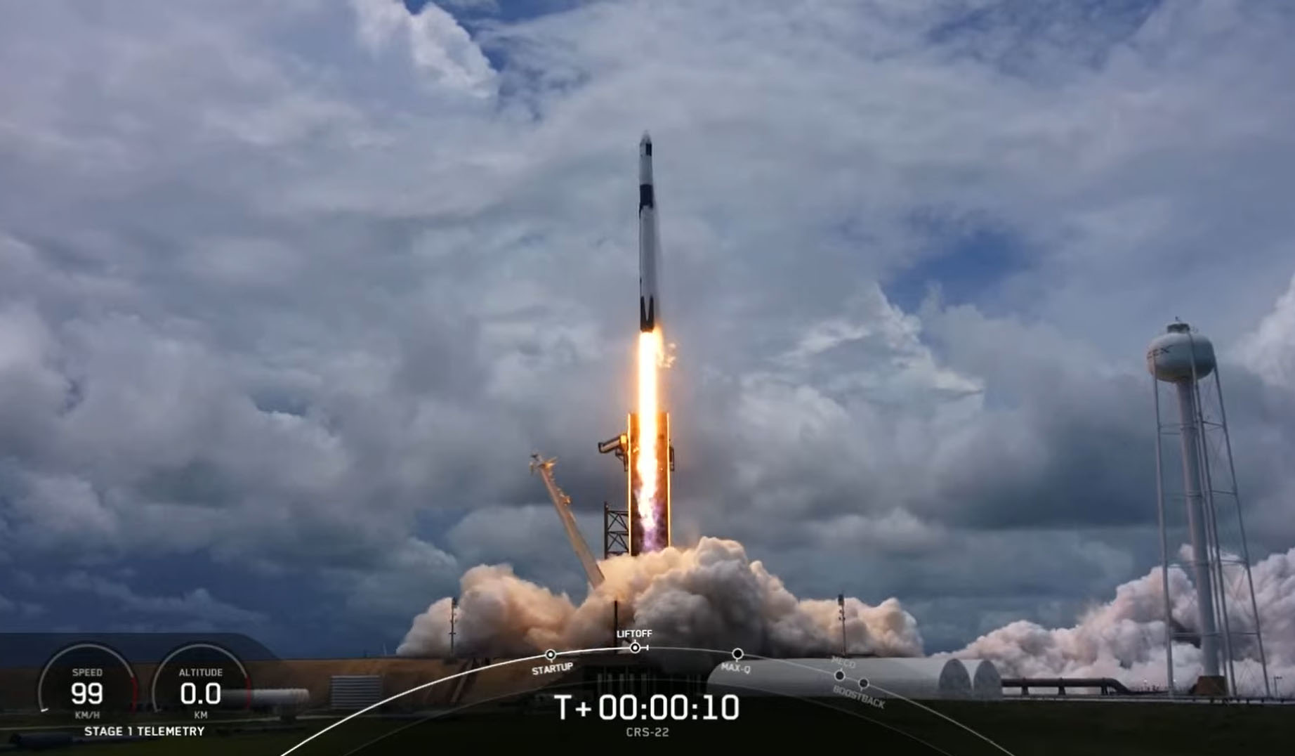 Une fusée SpaceX Falcon 9 transportant le cargo Dragon CRS-22 pour la NASA se lance vers la Station spatiale internationale depuis le Pad 39A du Kennedy Space Center à Cap Canaveral, en Floride, le 3 juin 2021.
