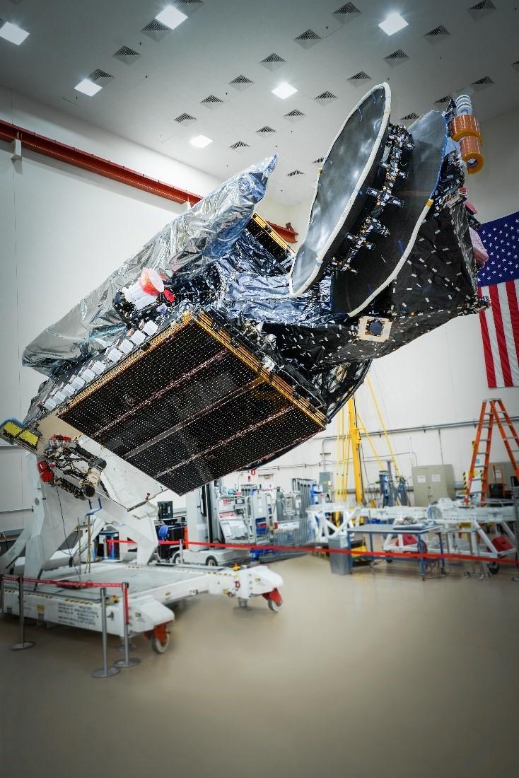 Le satellite Sirius XM 8 en attente de lancement sur une fusée SpaceX Falcon 9.