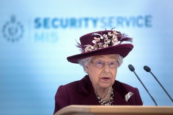 Elizabeth II pense aussi à The Crown.  Photo: (Getty)