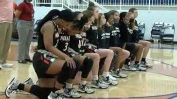 Un entraîneur de basket-ball licencié après que des tortillas ont été lancées sur une équipe rivale dans une apparente raillerie raciste
