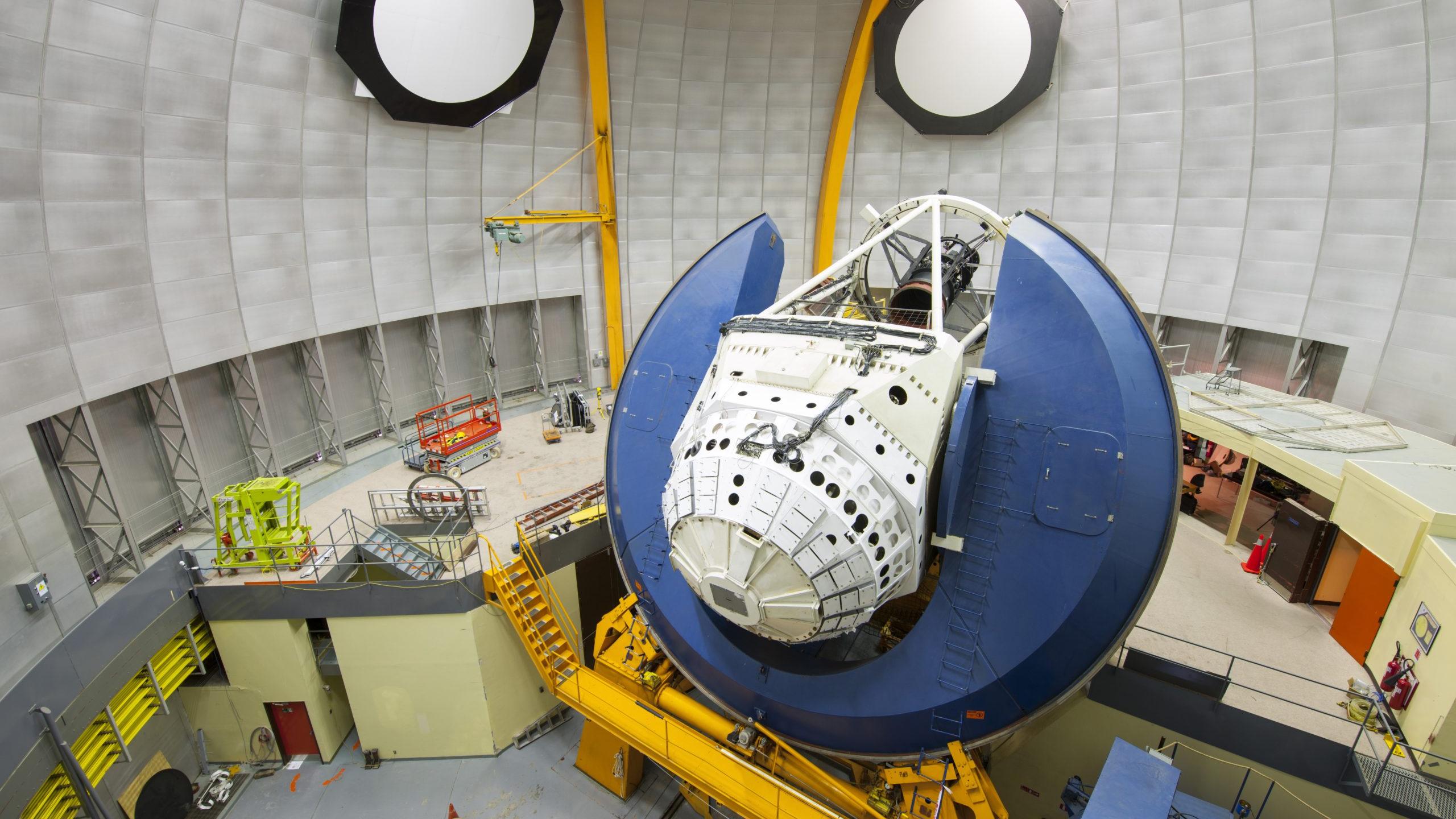 La nouvelle étude s'est appuyée sur cette caméra à énergie sombre de 570 mégapixels sur le télescope Victor M. Blanco de 4 mètres, montré ici à l'Observatoire interaméricain de Cerro Tololo au Chili.