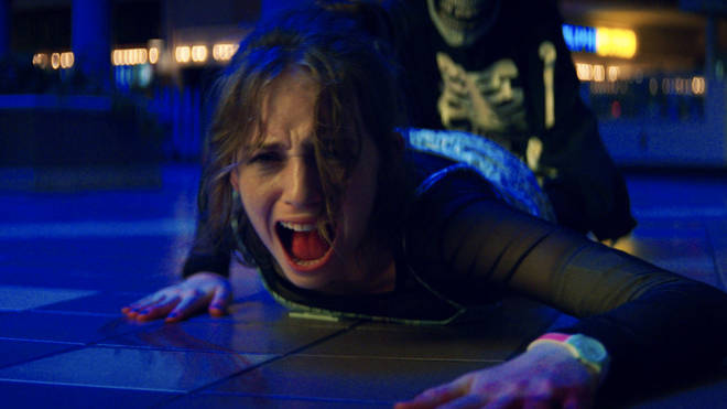 Heather de Maya Hawke est le premier personnage tué dans Fear Street : 1994