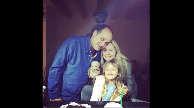 "Daniela Spanic, soeur de Gabriela Spanic, actrice de ""La Usurpadora"", avec sa famille (Photo : Daniela Spanic / Twitter)"