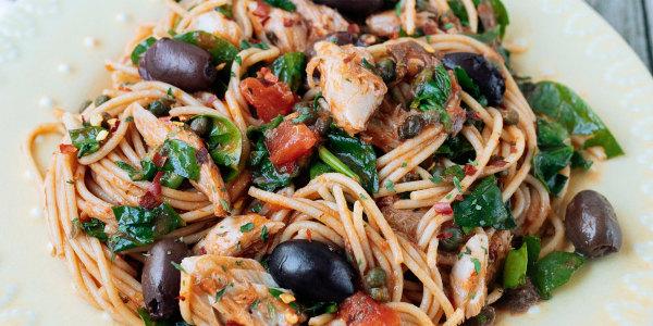Spaghettis italiens épicés au maquereau