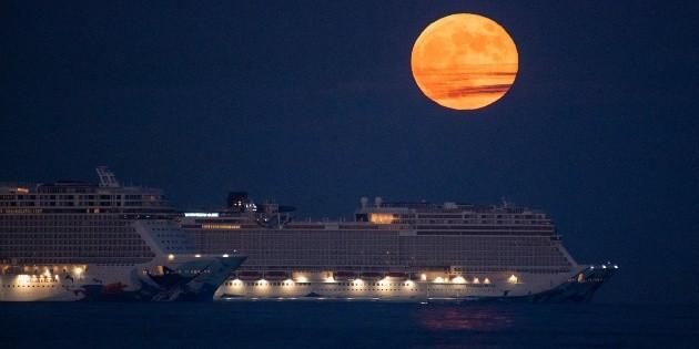 Pleine Lune en Verseau : comment cela va vous affecter selon votre thème natal