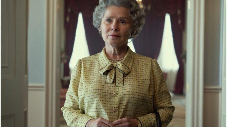 The Crown : premier regard sur Imelda Staunton dans le rôle d'Elizabeth II