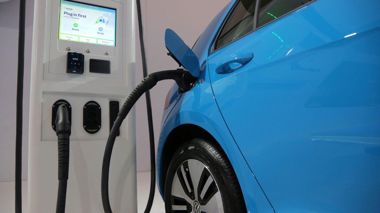 Les véhicules électriques ne représentaient que 2% de toutes les ventes de véhicules aux États-Unis l'année dernière.  Image: Reuters