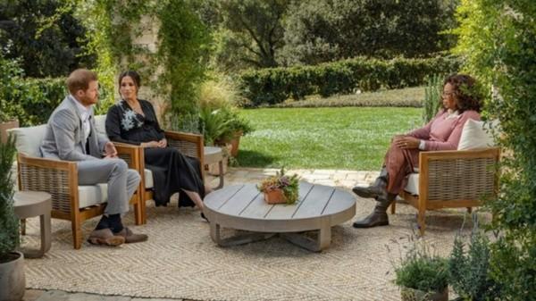 Entretien de Meghan et Harry avec Oprah.  Photo: (BBC)