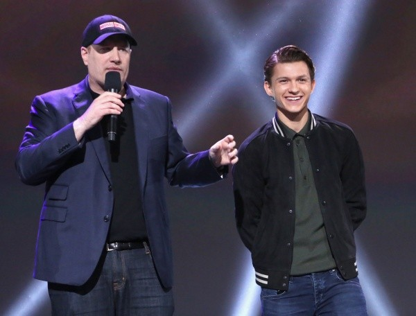 Tom Holland et Kevin Feige.  Photo: (Getty)