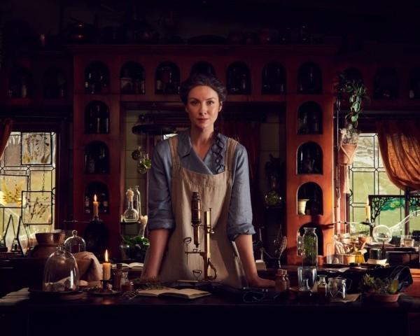 Claire pourrait être née dans les années 1700. Photo : (Starz)