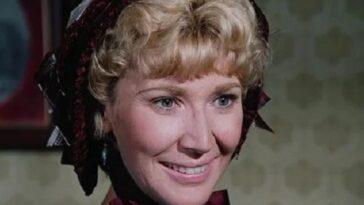 """Du succès à la ruine : la vie orageuse de Charlotte Stewart, l'enseignante Beadle dans """"The Ingalls Family"""""""