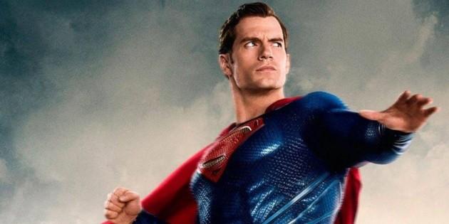 Un acteur de DC a demandé à Henry Cavill de redevenir Superman
