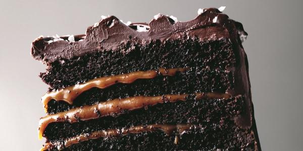 Gâteau au chocolat au caramel salé Mile High de Martha Stewart
