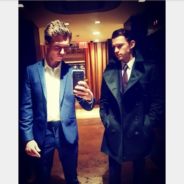 Tom Holland et Harrison Osterfield.  Photo : (@tomholland2013)